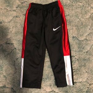 Boys 2t Nike pants